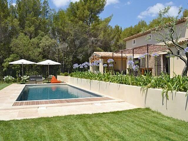 Maison de standing avec piscine - Lourmarin - Villa