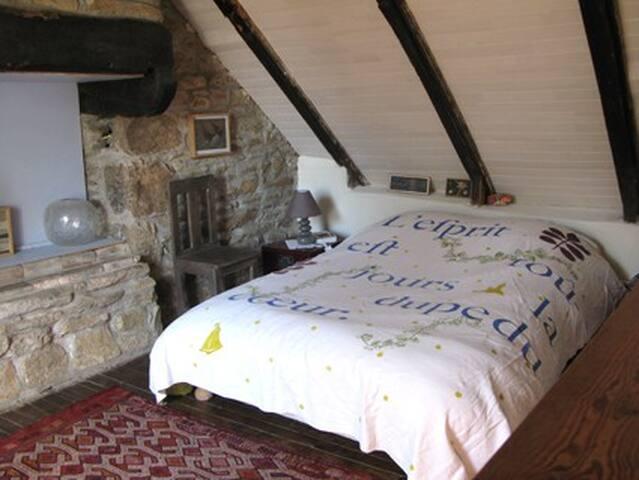 chambre lit double haut