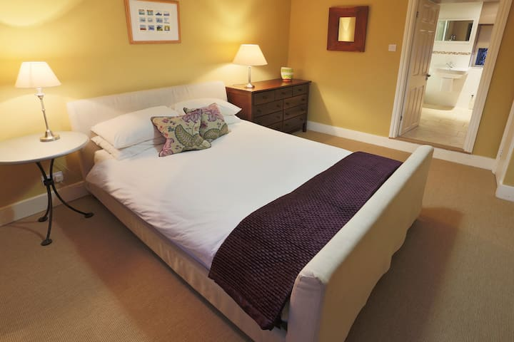 Luxurious double ensuite B n B - Tregony - 家庭式旅館