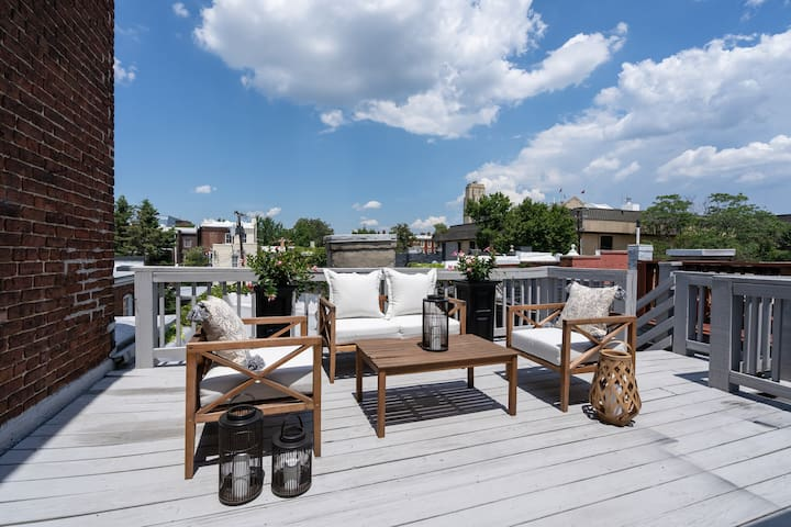 NEW LISTING! Chic Downtown Apt with Rooftop Deck
