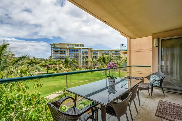 Maui Westside Properties: Honua Kai - Konea 312 - One plus Den!| Sleeps: 2 Bedroom, 1 Bathroom