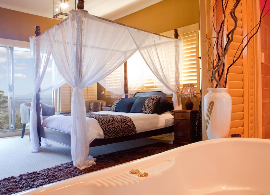 Welcome to our Safari Room at Avocado Sunset B&B