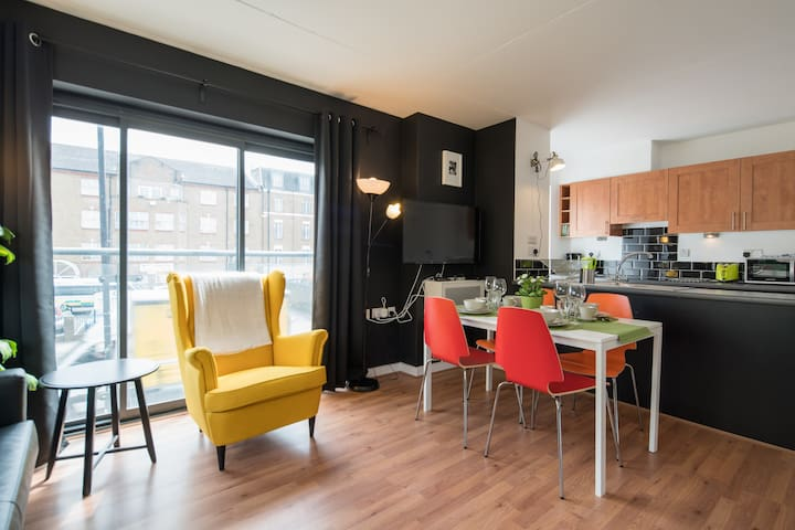 Bright one bedroom apartment.