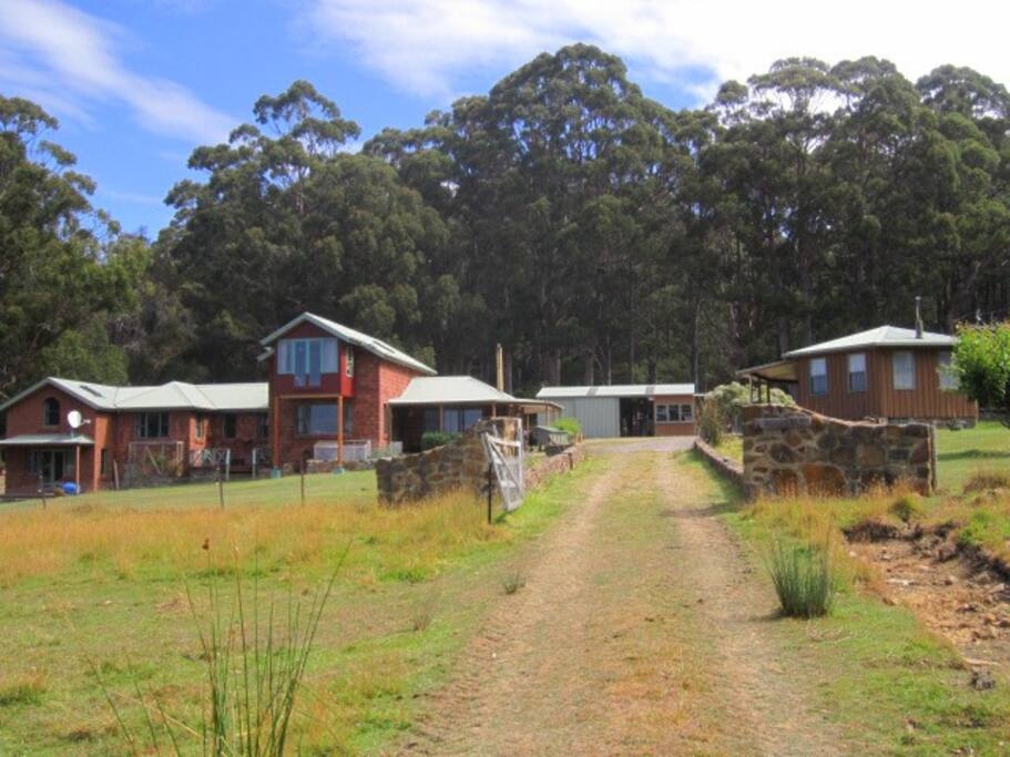 Mavista homestead with studio cottage to the right