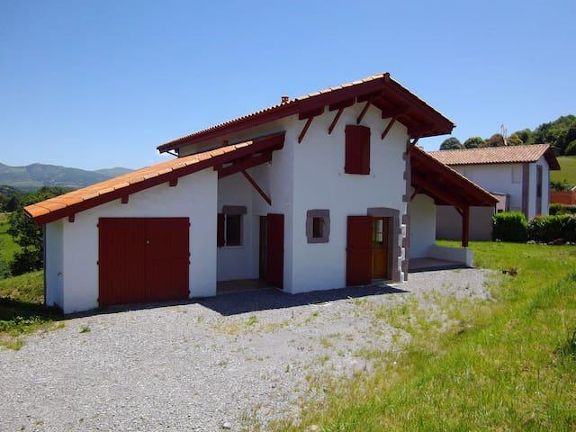 Maison à Saint-Jean-Pied-de-Port   - Saint-Jean-Pied-de-Port - Hus