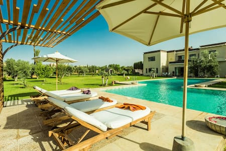 Exceptional Villa with Pool, 20min from Marrakech - マラケシュ