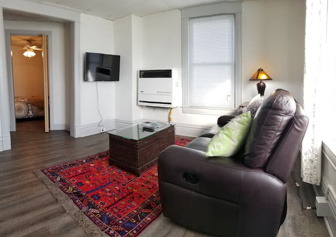 Kzoo Downtown, Mills fully appointed apartments