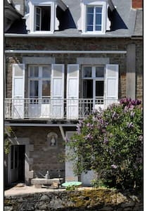 Lovely historical house in Brittany - 滨海圣布里阿克(Saint-Briac-sur-Mer) - 独立屋