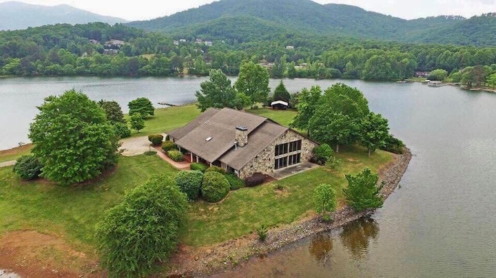 Lake Haven on Chatuge w/Hot Tub, Indoor Pool, Dock