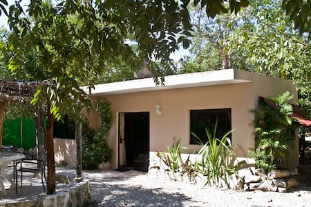 Room type: Entire home/apt Property type: Cabin Accommodates: 4 Bedrooms: 1 Bathrooms: 1