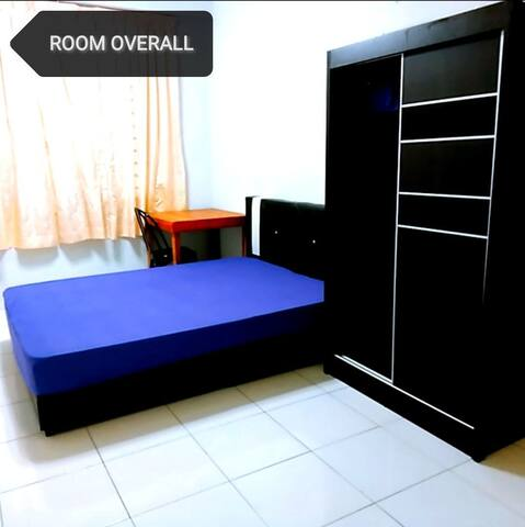 AirCon Master Room + Private Bathroom + Cooking