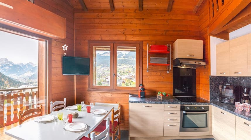 Apartment for 4 people in the center of Châtel