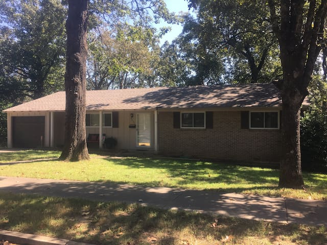 2 Bd home in safe convenient area - North Little Rock - Hus