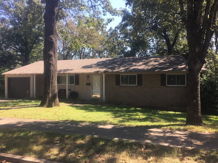 2Bd/2Ba in a safe convenient area 5miles to LRAFB