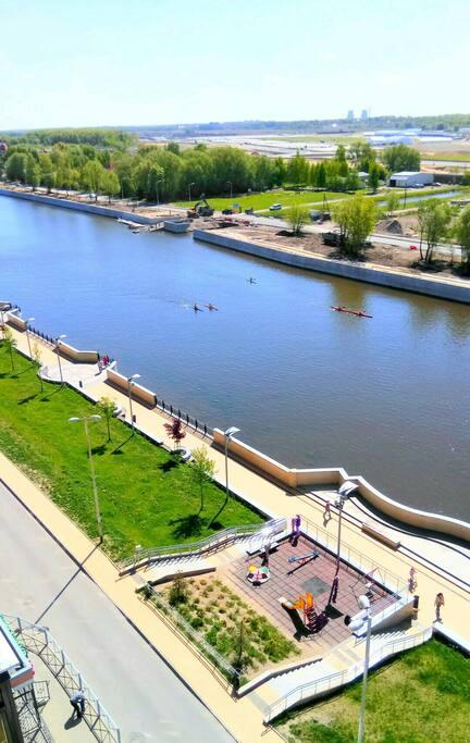 Вид с балкона на реку