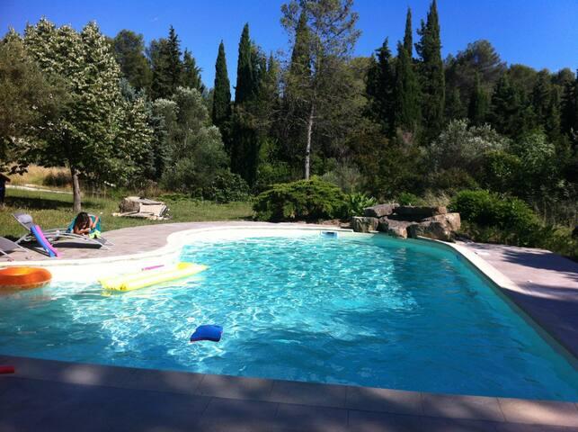 Très agréable villa avec piscine - Prades-le-Lez - 別荘
