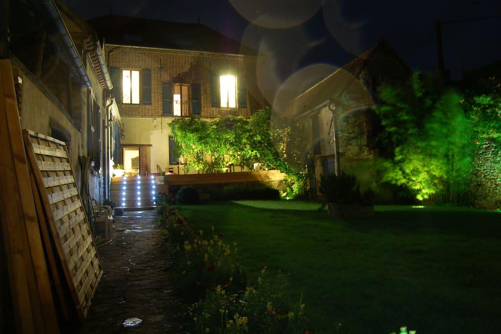 Maison de village de caract re maisons louer for Acheter maison france voisine