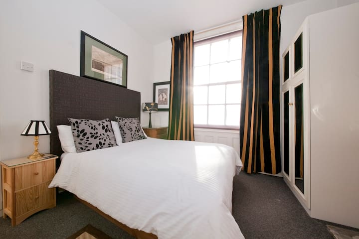 Well located charming & comfortable - Londen - Huis