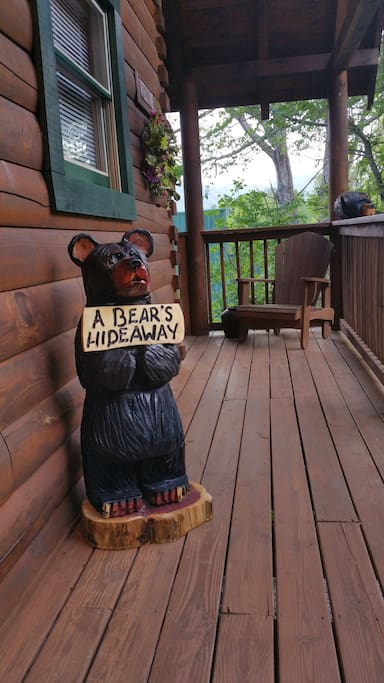 "Welcome to ""A Bear's Hideaway"" log cabin"