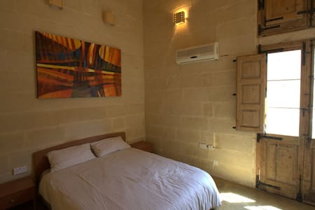 Traditional Maltese House - Sleep 3 - Ħal Qormi