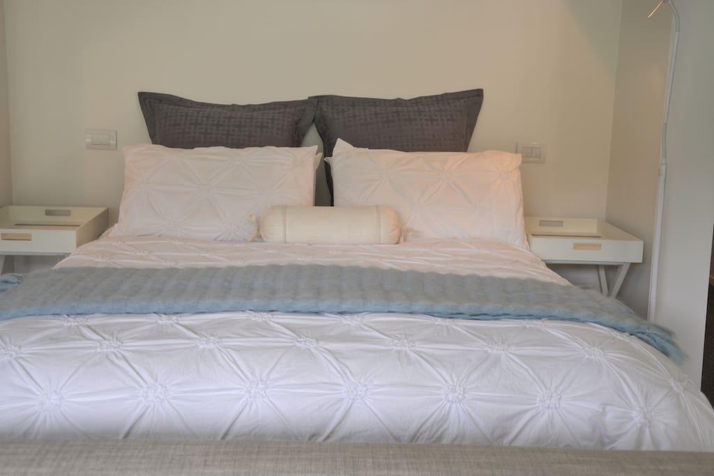 Cosy corner; queen-sized bed