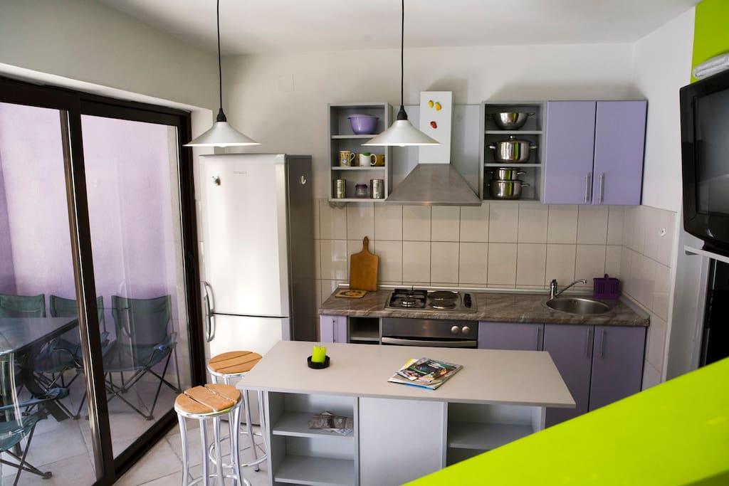 www.violethousemontenegro.com