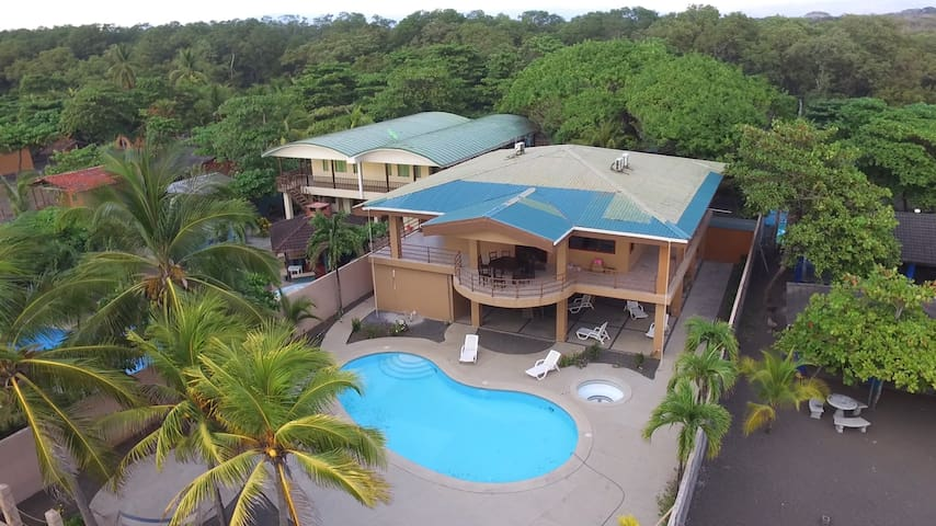 Ocean Front Beach House Costa Rica - Bajamar - House