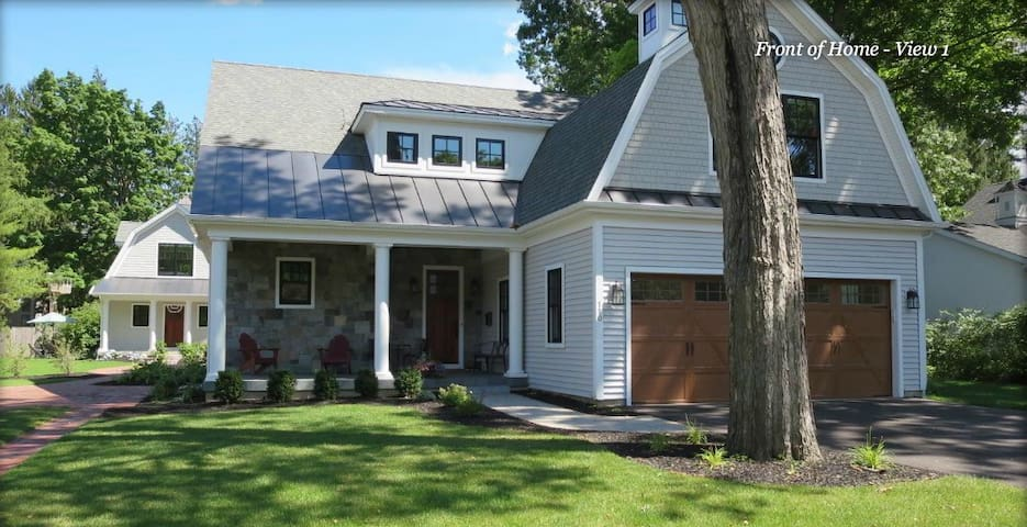 Upscale Home Only Blocks To Town And The Track - Saratoga Springs - Tatil evi