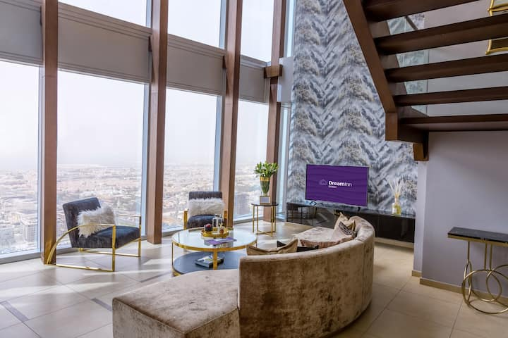 Five-Bedroom Duplex Apartment Panoramic City View