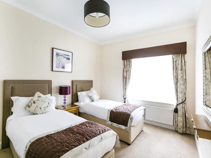 Park Lane Apartments - Shaw House - Four Bedroom