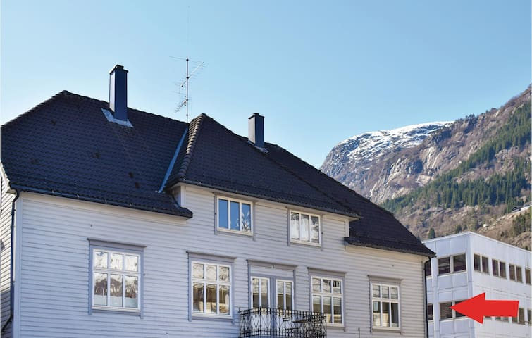 Holiday apartment with 3 bedrooms on 160m² in Odda