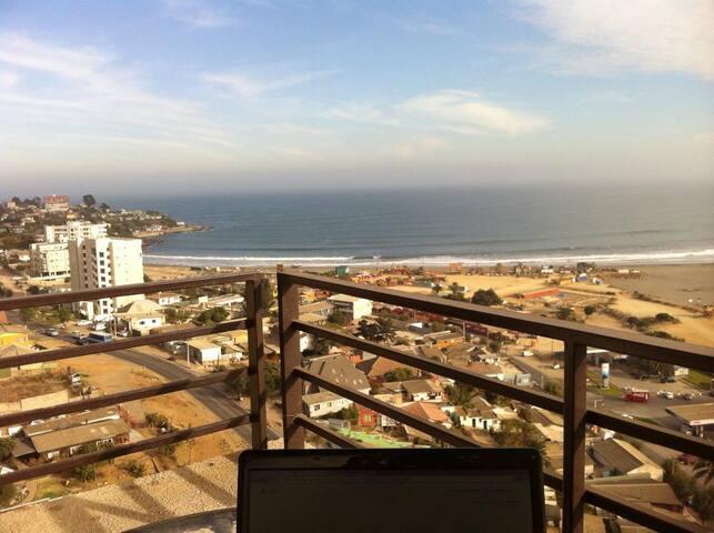 Departamento Grande Frente a Playa, la Mejor Vista - Con Con - Daire