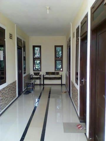 LUGINA - Purwakarta - Apartament