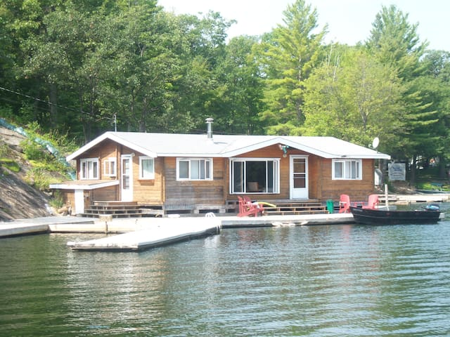 The Muskoka Panabode on the Water - Coldwater - Cottage