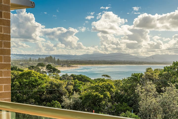 #11 James Cook Apartments - views to die for