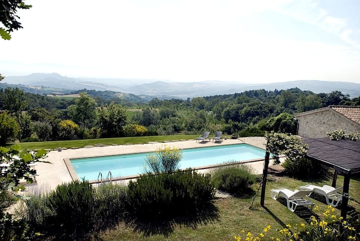 Contemporary private villa Umbria - Todi