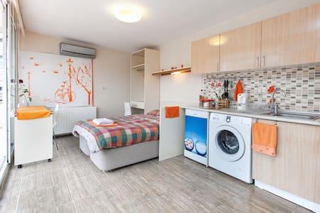 Orange Studio Private&Great Terrace - Istanbul