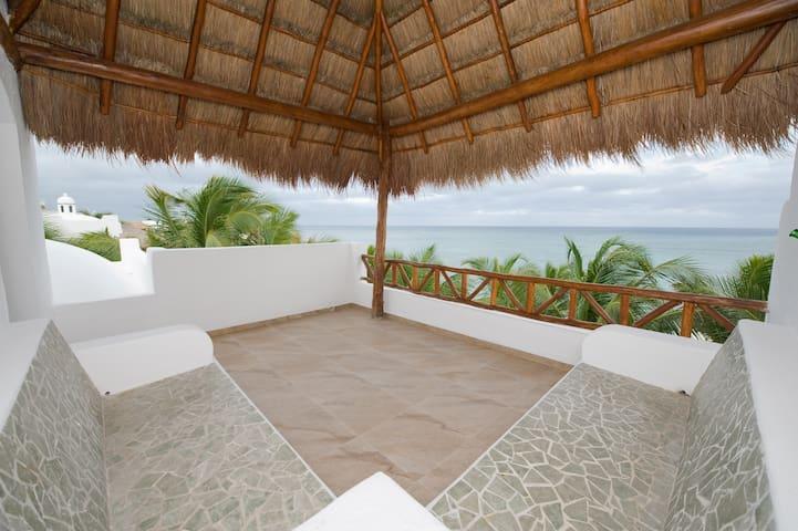 Stunning Beachfront Ruby Moon Villa