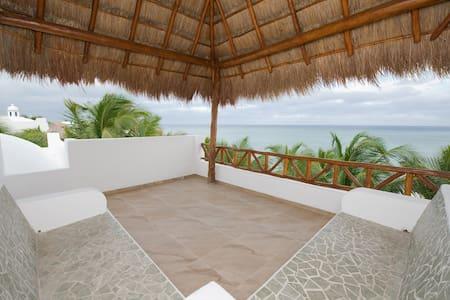 Stunning oceanfront Ruby Moon Villa - Akumal - Villa