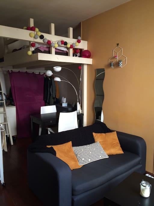 joli petit studio cocooning apartments for rent in paris le de france france. Black Bedroom Furniture Sets. Home Design Ideas