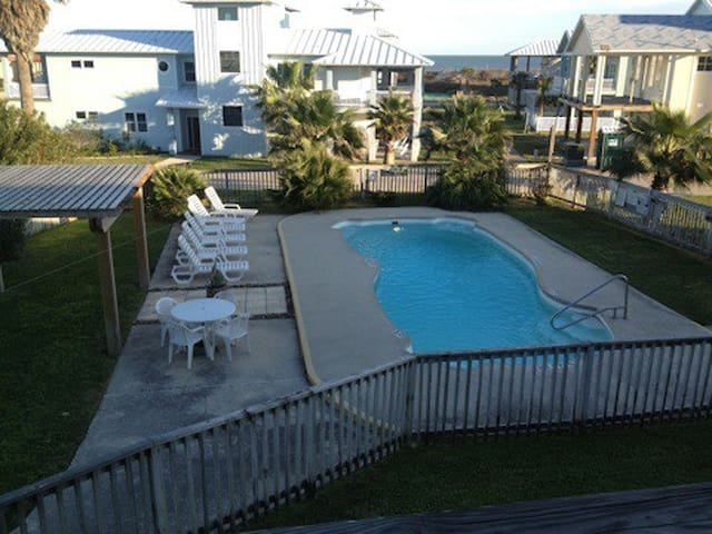1 BDRM CONDO WALKING DIST TO BEACH - Port Aransas - Apartemen