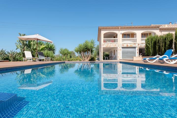 Finca Candela ,a rural charm vila, pool & BBQ area