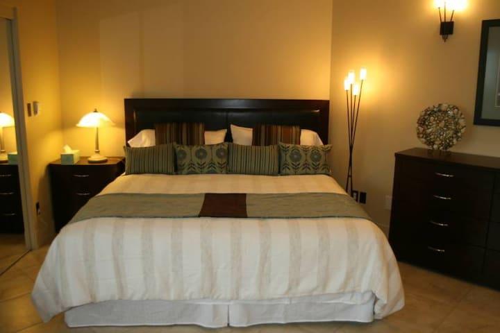 Inn The Estuary Vacation Rental/B&B - Nanoose Bay - Bed & Breakfast