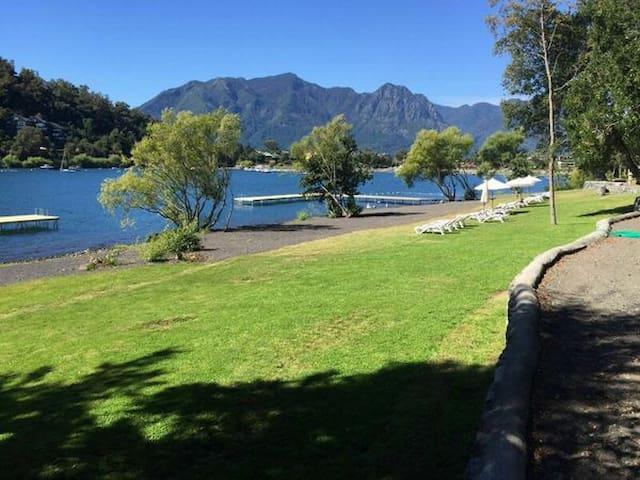 Ubicación a orillas del lago Villarica