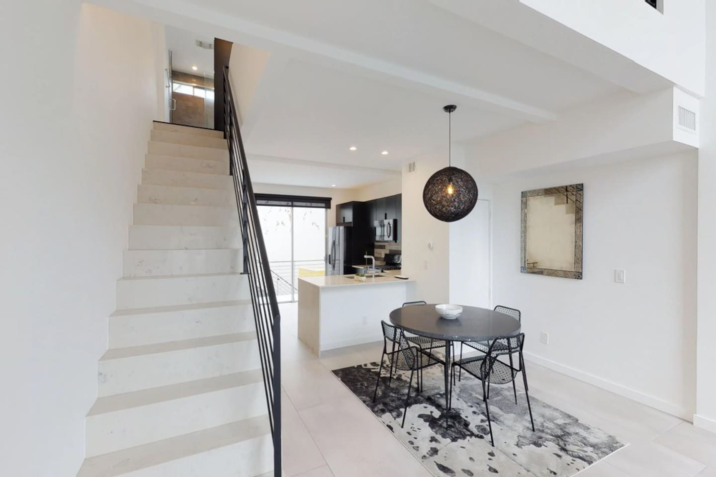 SO ENZO SIGNATURE LOFT-Luxury Rowhome Little Italy - Townhouses for ...