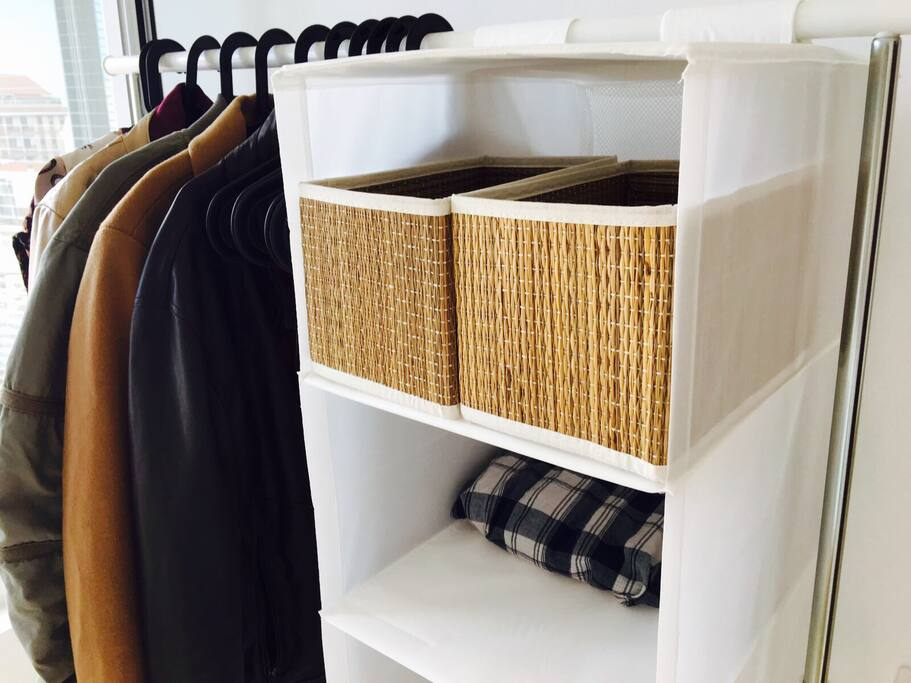 A rack to hang up your clothes, put your shoes or fold your clothes and put them in the compartments. A very easy and clean way for short-term stays. If it's more comfortable for you, it is possible to have a closet if you stay longer.