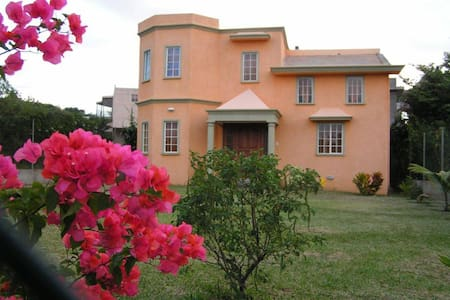Villa Hibiscus Jaune