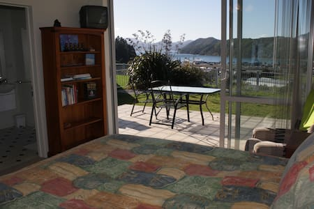 Harbour Heights BnB - Harbour View Suite 1 - Bed & Breakfast