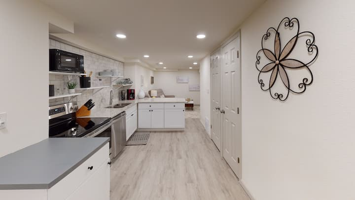 Spacious & Stunning Updated 3BR Downstairs Unit