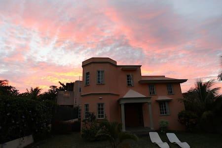 Villa Hibiscus Jaune - Rio Negro